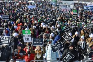 Χιλιάδες πολίτες διαμαρτυρήθηκαν κατά των αμβλώσεων. Εμείς τι κάνουμε;