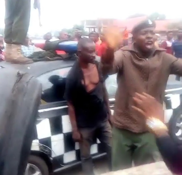 Suspected Yahoo Boy Stabbed A Girl To Death During An Attempt To Use Her For Ritual, Angry Mob Descends On Him