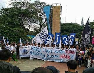 Bobotoh Persib Bandung Gelar Aksi Demo, Sampaikan Lima Tuntutan