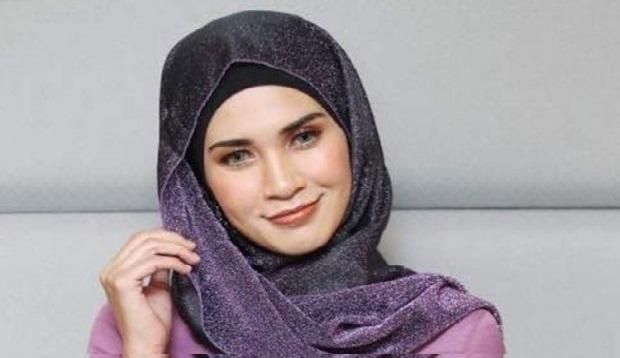 Gara-Gara Gosip Rumahtangga, Kontrak Produk Kecantikan Izreen Azminda Ditamatkan