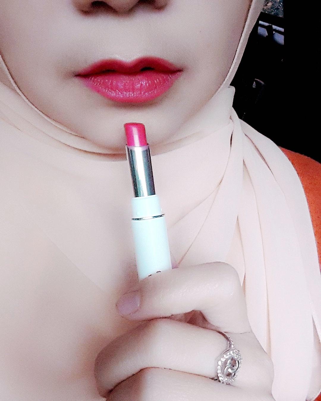 Zoya Cosmetics Ultramatte Lip Pink Paradise 09 Spec Dan Daftar Ultramoisse Strawbeery Ice 04 Tapi Saya Suka Warnanya Dari Lipstick Ini Meski Terlalu Gonjreng Di Bibir