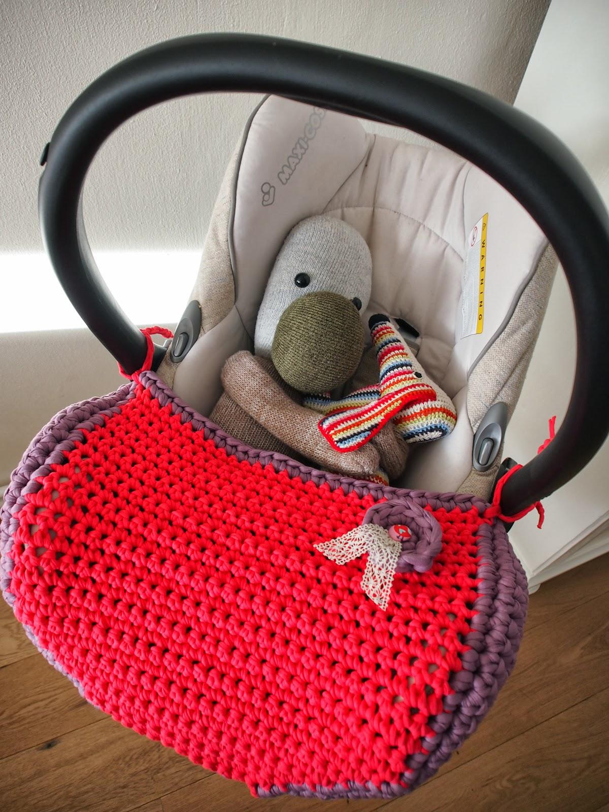 Mejuffrouw B Crochet To The Maxi Cosi