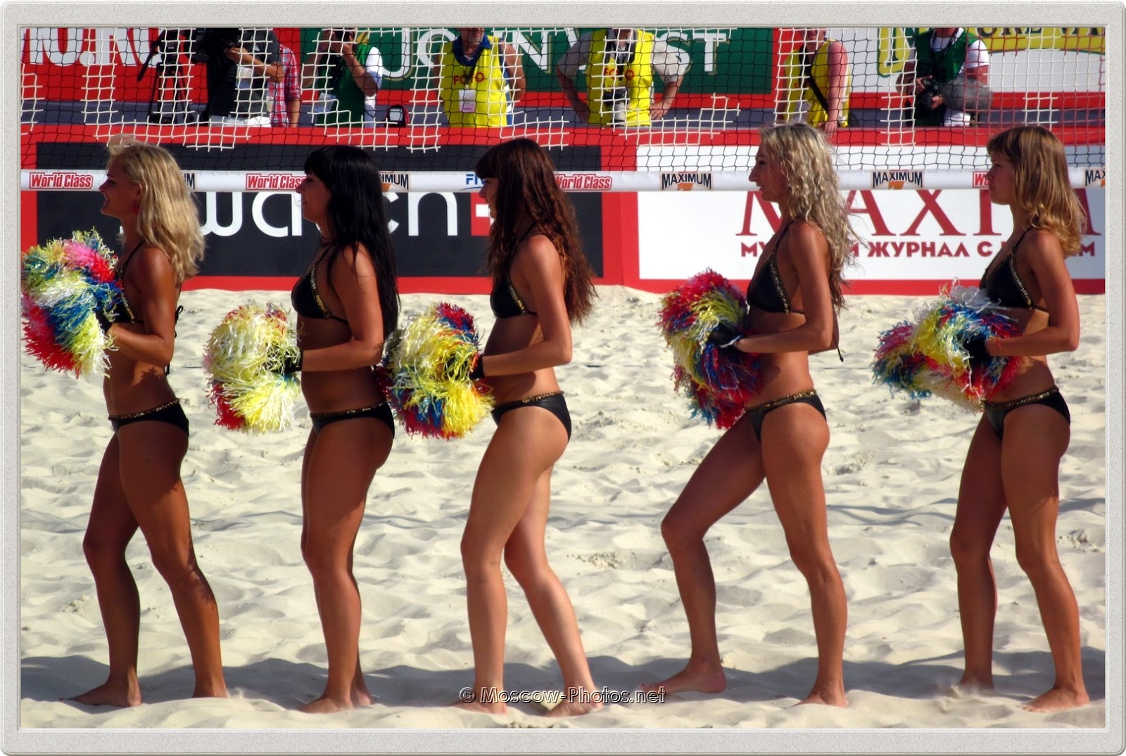 Beach Volleyball Barefoot Girls