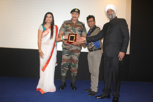 10. Gurpreet Kaur Chadha with Puneet Isaar Dr. Aneel Murarka and Col.Harbhajnik Singh