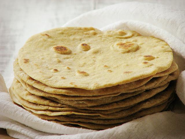 recette de tortillas mexicaines à la farine de blé et à l'huile d'olive