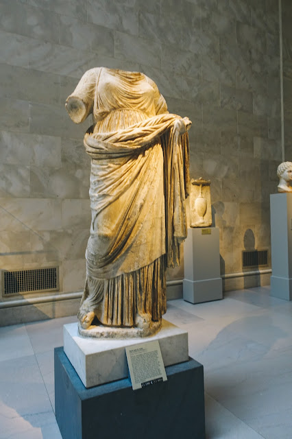 ギリシャ・ローマ美術(Greek and Roman Art)|Marble statue of a woman