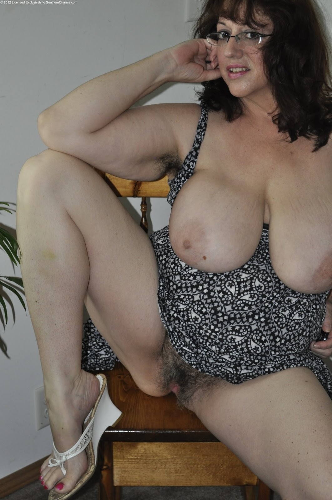 Natural Hairy Mature Women