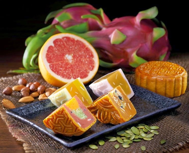 Tai Thong Mooncake 2014 New Flavours - Honey Grapefruit and Mixed Nuts, Dragon fruit and Coconut Single Yolk, Snow Skin Honey Lemon Grapefruit
