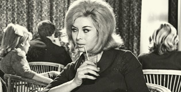 Ρία Δελούτση :Η Ιταλοαργείτισσα σεξοβόμβα και Σταρ Ελλάς του 1961 που γύρισε 32 ταινίες