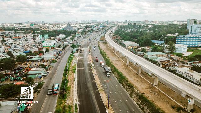 Tuyến metro số 1 Bến Thành - Suối Tiên đến nay đã thi công đạt 75% tiến độ, kỳ vọng sẽ hoàn thành 100% trong năm 2020 theo chỉ đạo của UBND TP.HCM.