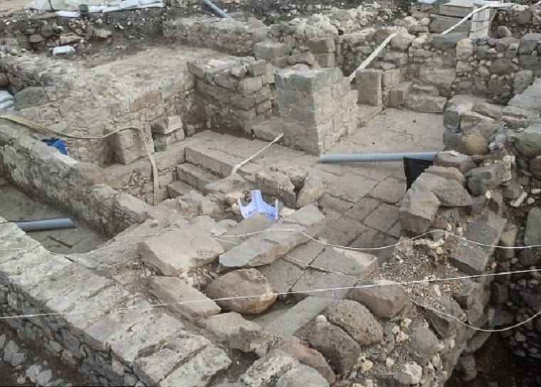 Ancient synagogue unearthed in Magdala