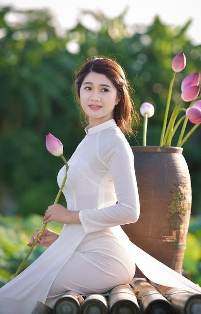 Áo Dài - Bông Sen - Con Gái Việt