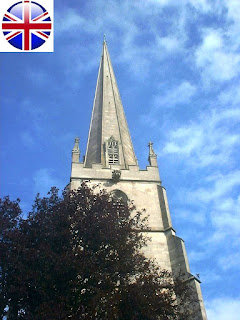 Церковь Святой Девы Марии в Тетбери (Англия) фото