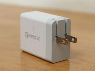 急速充電器 USB充電器 ACアダプタ QualComm QC3.0対応 3ポート同時充電可能な急早充電ACアダプタ iPadでも2.4Aの急速充電Xperia/Galaxy/Zenfone/Huawei/iPhone/iPad