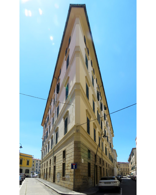 Corner building between Via dei Fulgidi and Via Rossini, Livorno