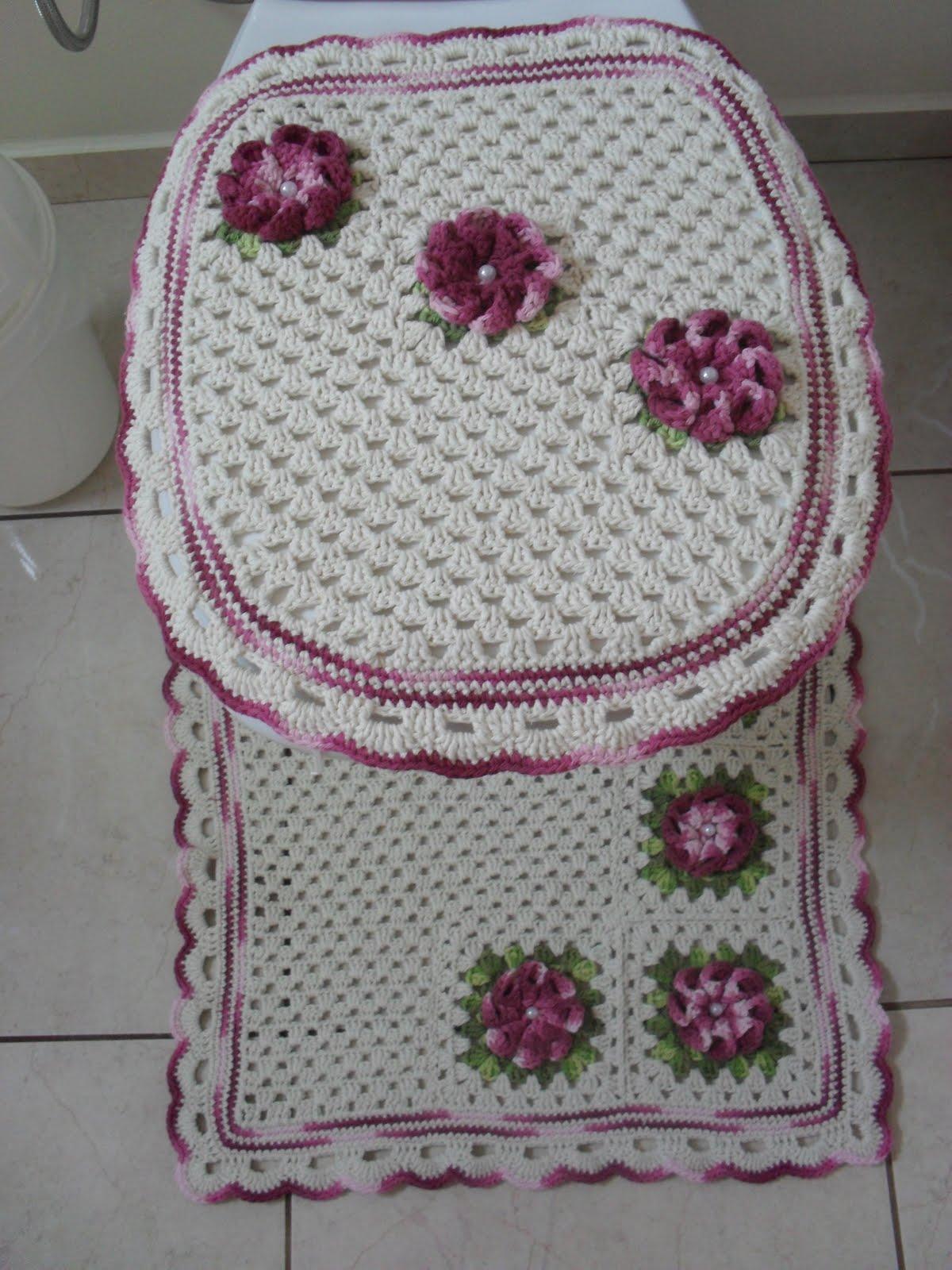 Tapete Floral Para Banheiro : Fasc?nio: Jogo de tapetes banheiro – Uma flor para alegrar o dia