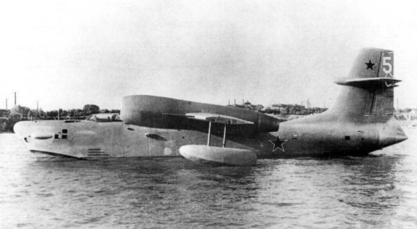 Pesawat amfibi Beriev R-1