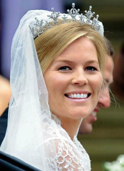 Autumn Kelley's wedding tiara