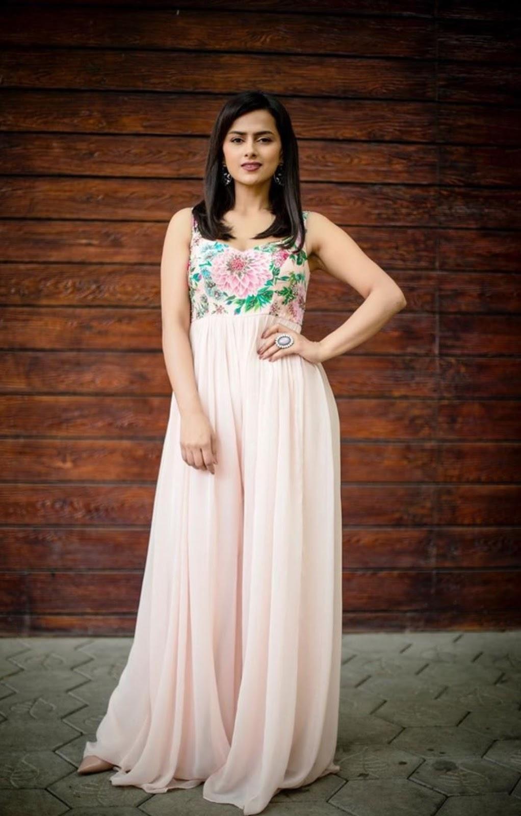 Sraddha Srinath Stunning Pics in flower print sleeveless gown