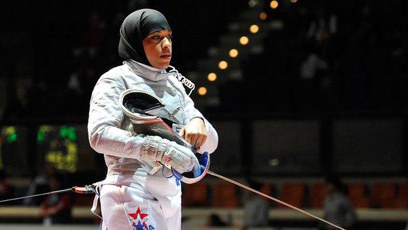 Olympic Fencer Ibtihaj Muhammad Held Us Customs Trump Travel Ban Usa Today