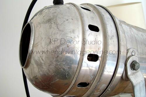 Focos industriales valencia. lámparas de pie estilo industrial