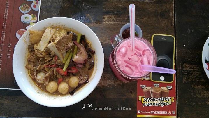 Food Station Nasi Ayam Hainan