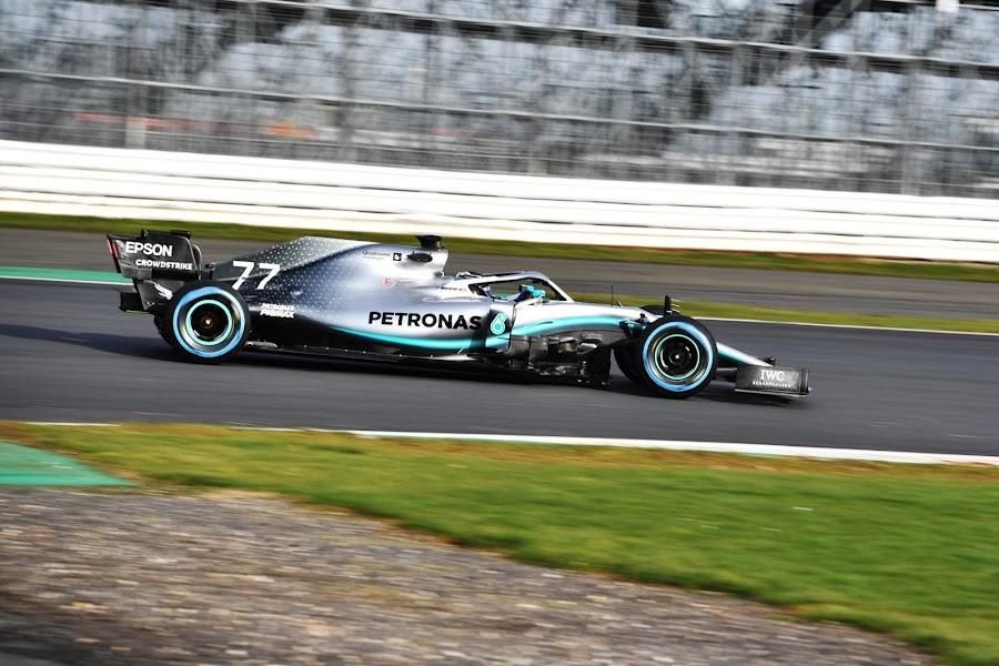 Mercedes AMG Petronas W10 F1 2019 Wallpaper shakedown