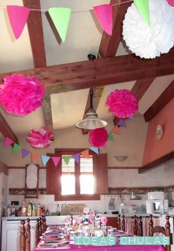 Decoración fiesta princesa (guirnaldas, pompones)