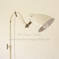 Lámpara médico antigua. tienda de lámparas estilo industrial. decoración vintage valencia