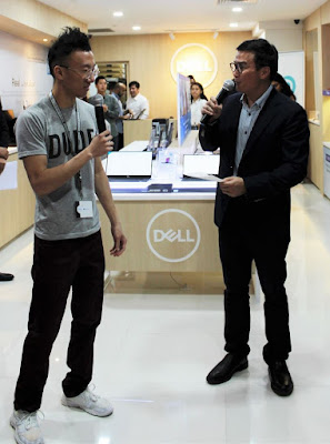 Source: Dell. Eugene Soh, Artist and Game Programmer on the left, with Wah on the right. Soh spoke about being hospitalised and still being able to code with an XPS 15. He also commented that the Inspiron 7000 15 laptop has the power to provide a smooth, comfortable virtual reality experience with Oculus goggles.