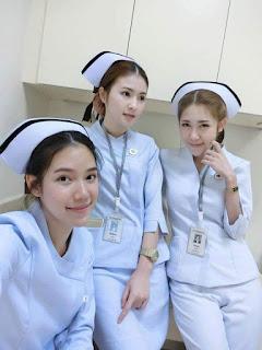 Perawat-cantik