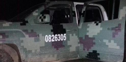En unidades similares comando de sicarios de La Familia Michoacana se topa con convoy del ejercito y se arma el enfrentamiento matando a un soldado y 8 malhechores