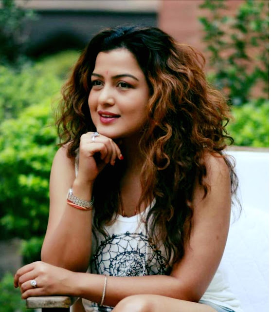 Rekha Thapa - Rekha Thapa Wiki Biography and Films