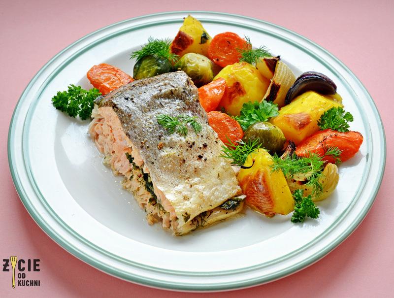 losos jurajski pieczony, losos jurajski pieczony z warzywami, ekologiczny losos, polski losos,