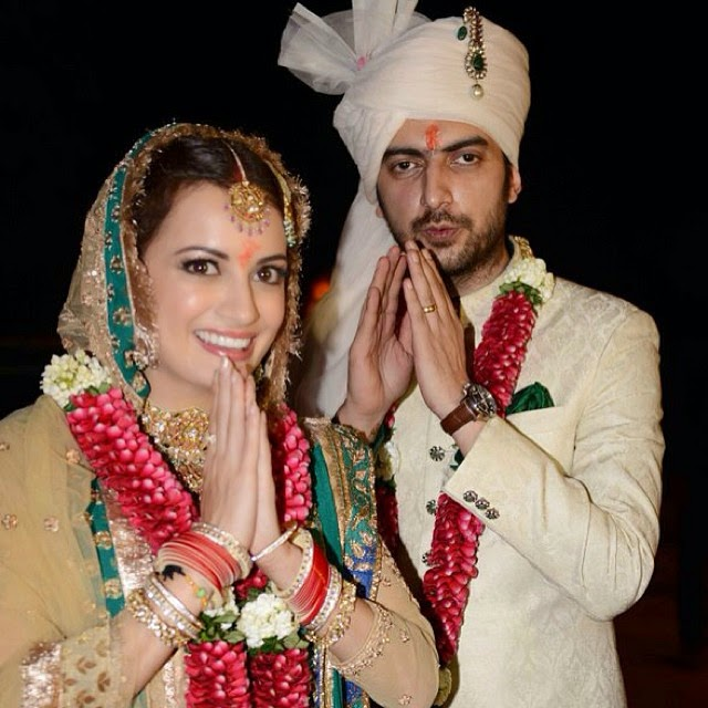 dia mirza and sahil singha at their wedding day! dia mirza,, Dia Mirza Wedding Photos with Sahil sangha
