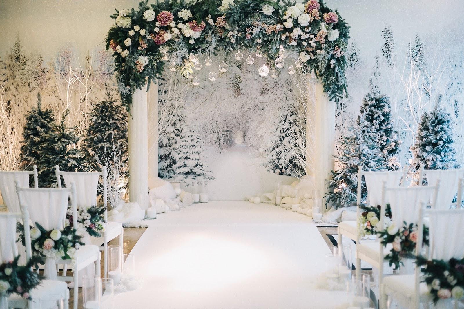 Dekoracje ślubu zimowego, Organizacja ślubu i wesela zimą, Zimowe Panny Młode, Zimowe inspiracje na ślub, Zimowy Ślub,