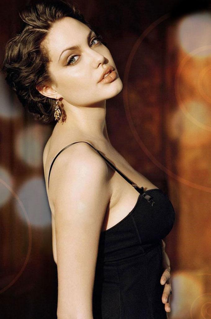 latest celeb fashion photos: Angelina Jolie Hot Pics