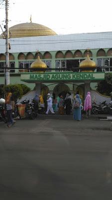 Sholat Idul Fitri di Masjid Agung Kendal