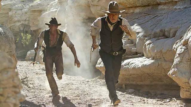 أفضل 10 أفلام قد لا تصدق أنها مقتبسة في الأصل عن القصص المصورة Comics فيلم cowboys and aliens