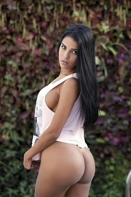 Daniela Baptista booty