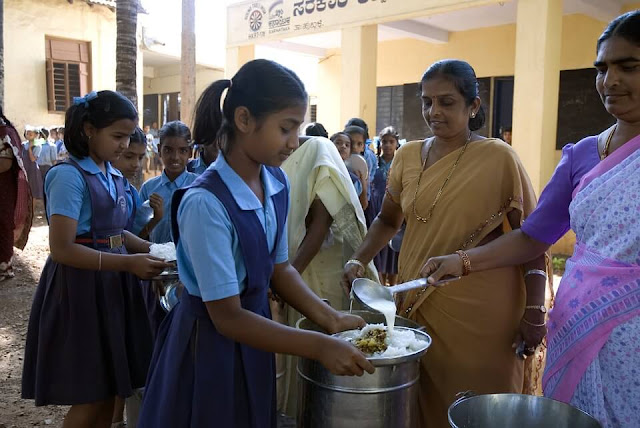 india school meal blue uniform