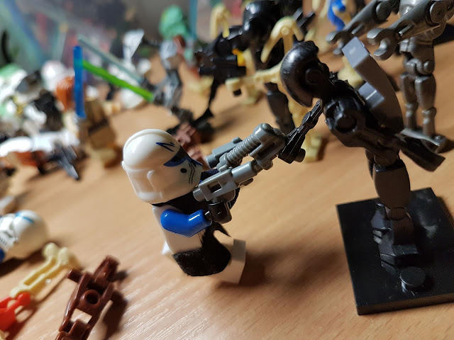 Commander Rex Clone Wars versus bx droid Star Wars