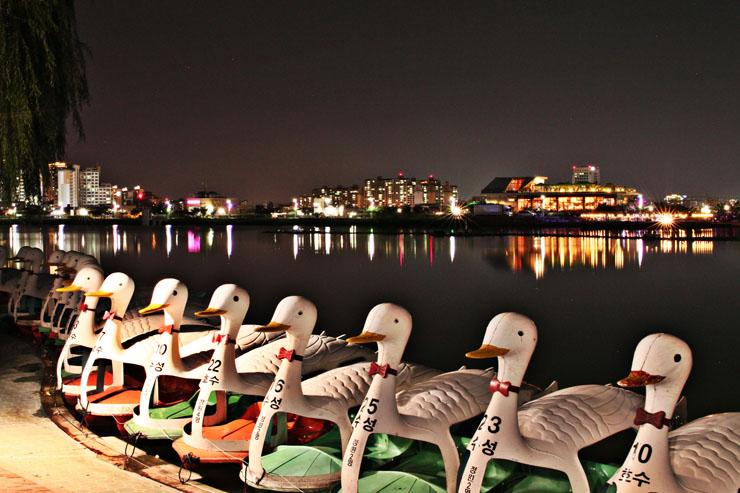 Fun \u0026 Free Daegu Travel: A city that is more beautiful at ...