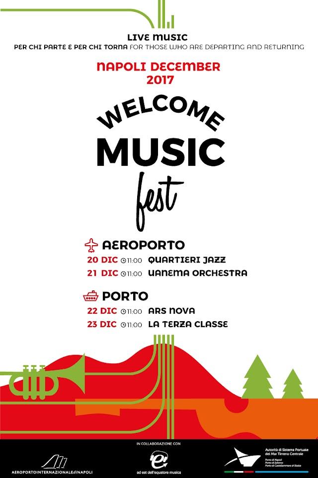 Napoli, un benvenuto in musica all'aeroporto e al porto
