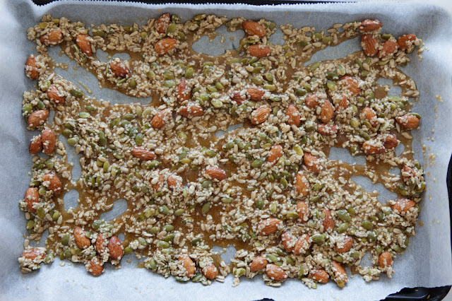 Spicy Nut and Seed Brittle (Snaps)