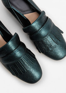 http://shop.mango.com/FR/p0/femme/accessoires/chaussures/chaussures-a-talons/mocassins-metallises-a-talon?id=73023630_43&n=1&s=rebajas_she