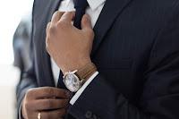 """<img src=""""job interview.jpg"""" alt=""""a successful job interview""""/>"""