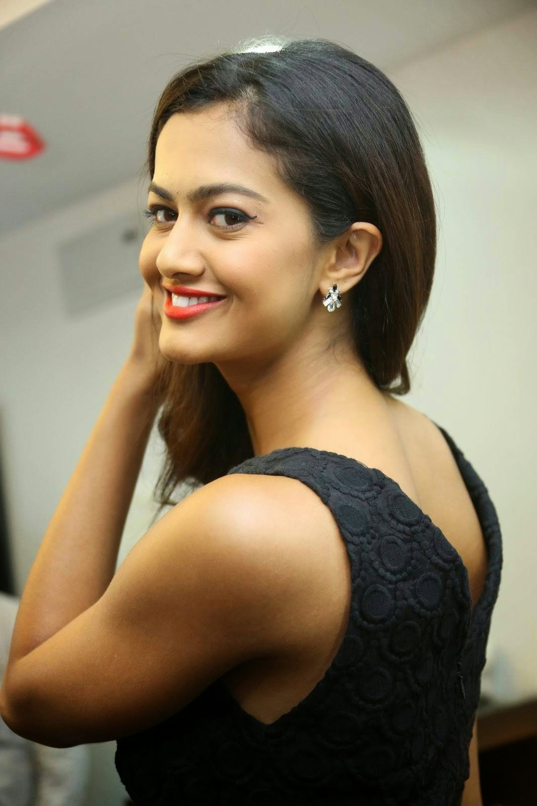 Shubra Aiyappa Latest Stills, Shubra Aiyappa Sexy Hot Figure images in Black Dress