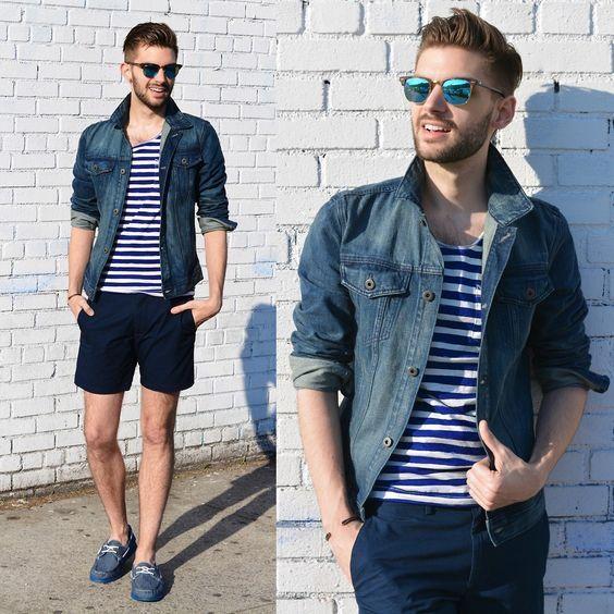 Look masculino com jaquena navy e camiseta listrada