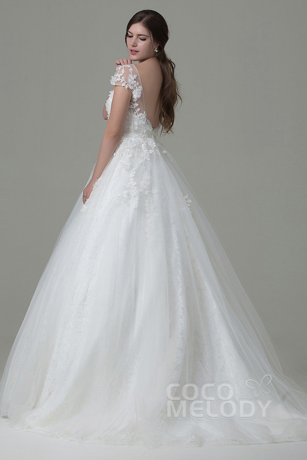 81b18d97aebc52 Below are some of my favorite wedding dresses at Cocomelody.